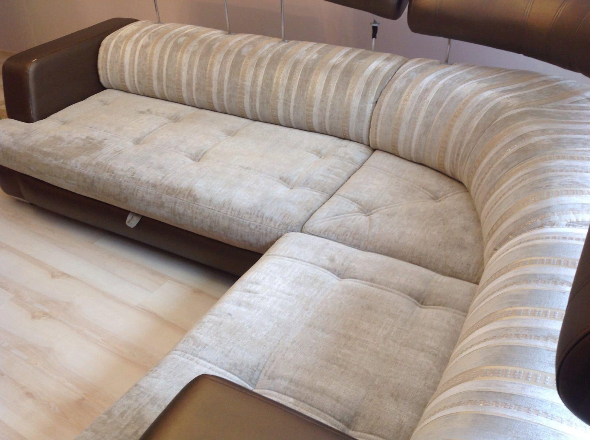 Чистка углового дивана после