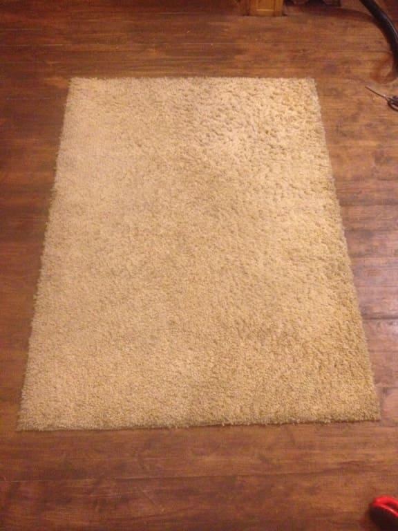 Чистка коврика для спальни после