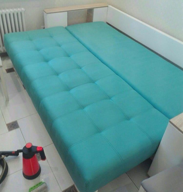 Химчистка дивана (вернули раскладному дивану яркий цвет) после
