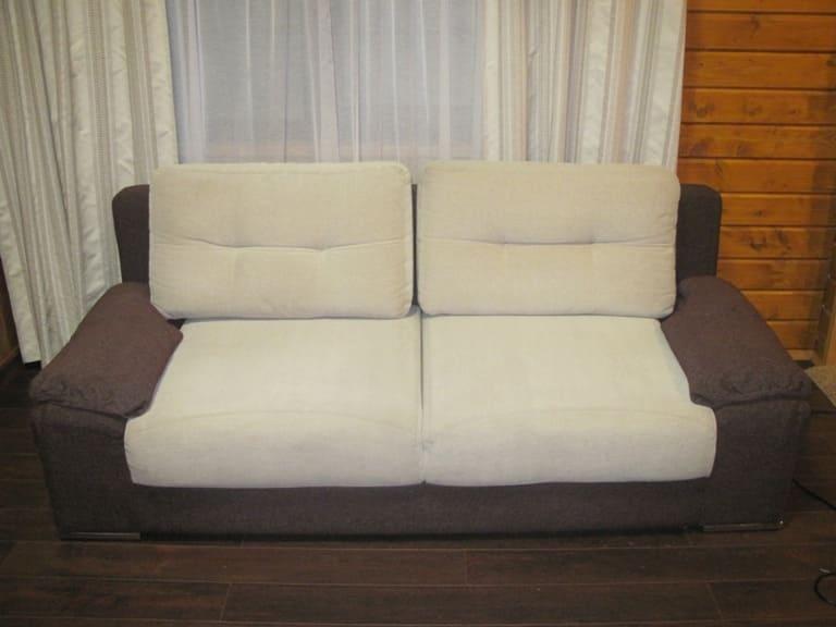 Чистка небольшого дивана  после